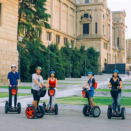 Barcelona Segway Tour museum of art